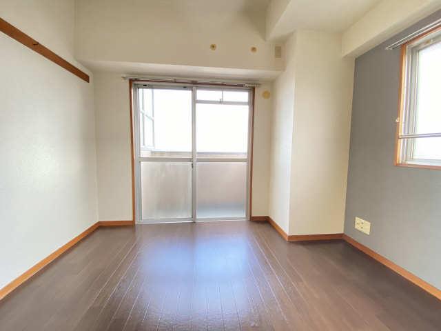 リアライズ甚目寺 5階 洋室