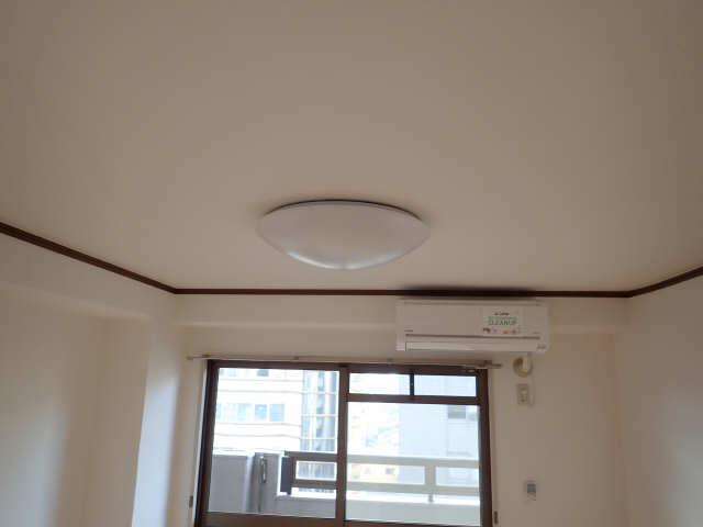 カーサ アクティス 8階 照明器具