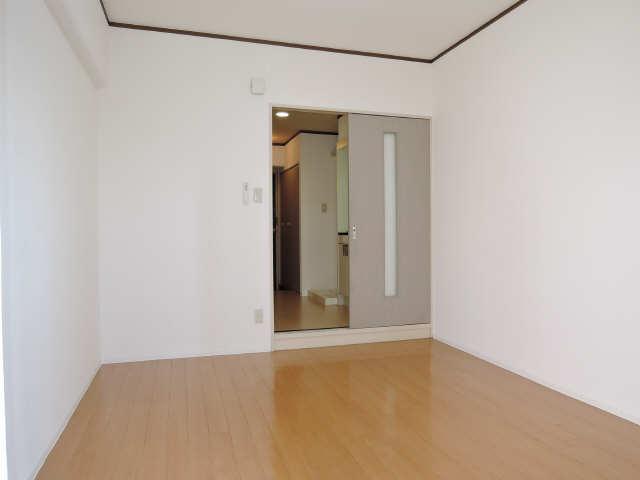 カーサ アクティス 4階 室内