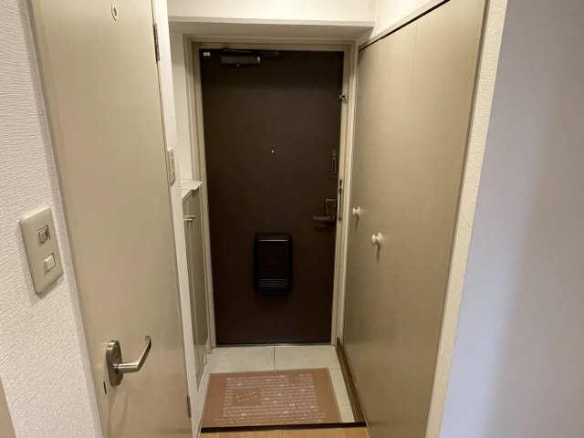 カーサ アクティス 4階 玄関