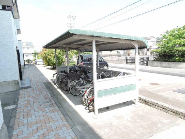 ハイカムール八島 自転車置場