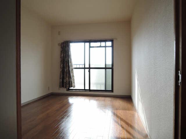フェニックス林 3階 室内