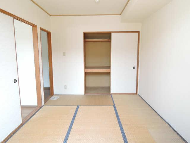 レジデンス優 1階 和室
