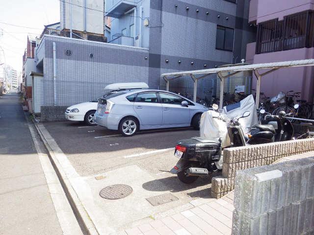 サン畑江 駐車場