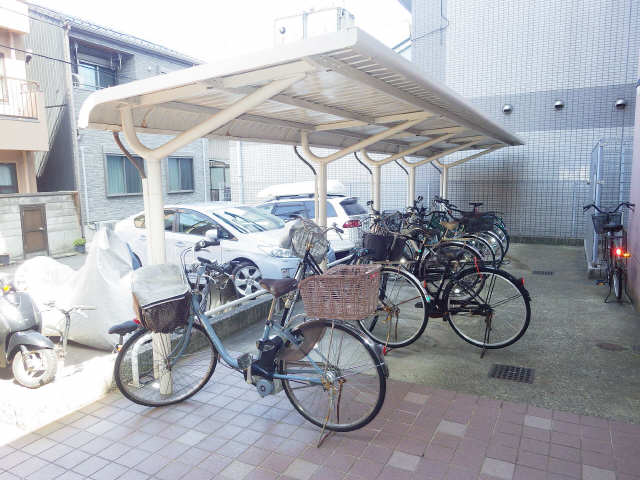 サン畑江 駐輪場