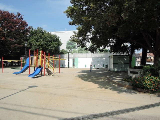山田ハイツ 公園
