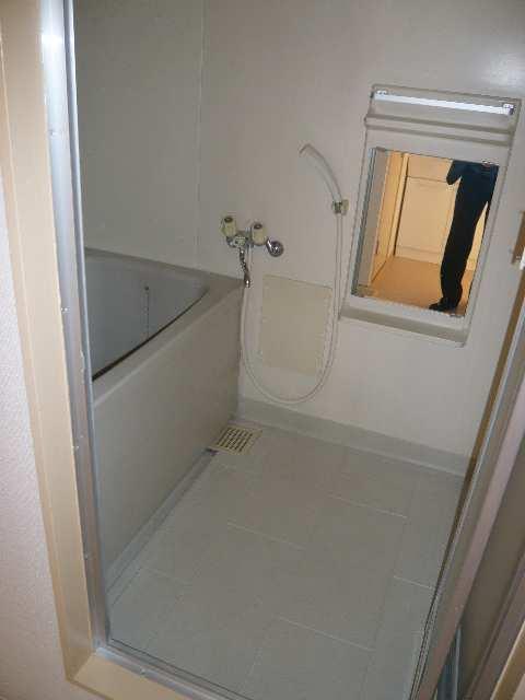 ドエル・グレース 203号室浴室
