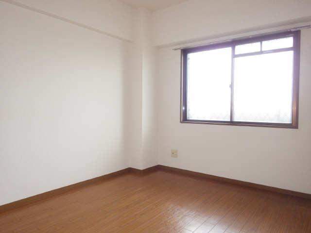 リヴィエール日比津 4階 室内