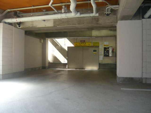 メゾンバリエ 立体駐車場