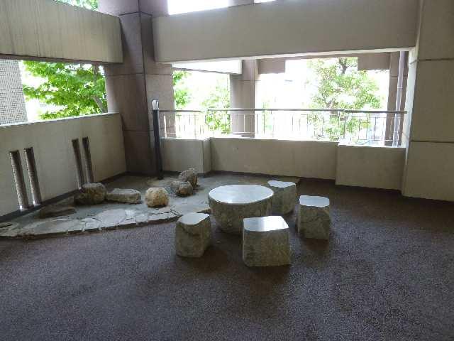メゾンバリエ 2階共用部