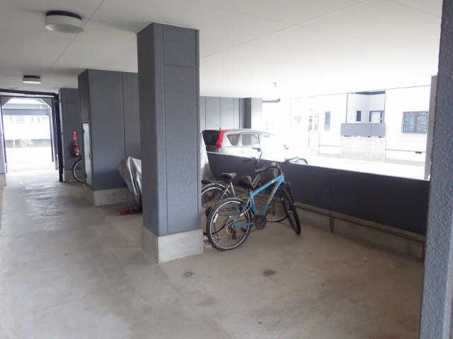 キララハイツ 2階 駐輪場