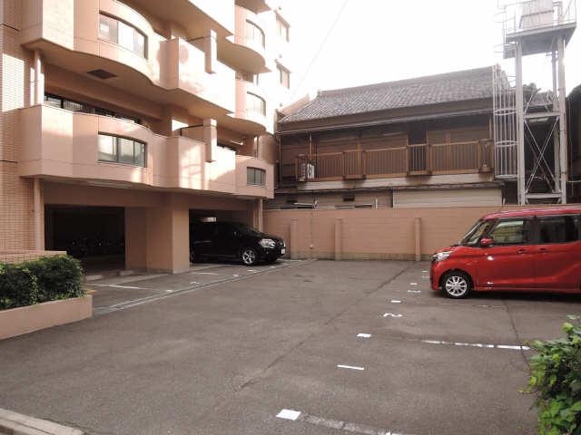 セント・ボウノ 6階 駐車場