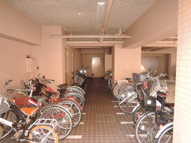セント・ボウノ 6階 駐輪場