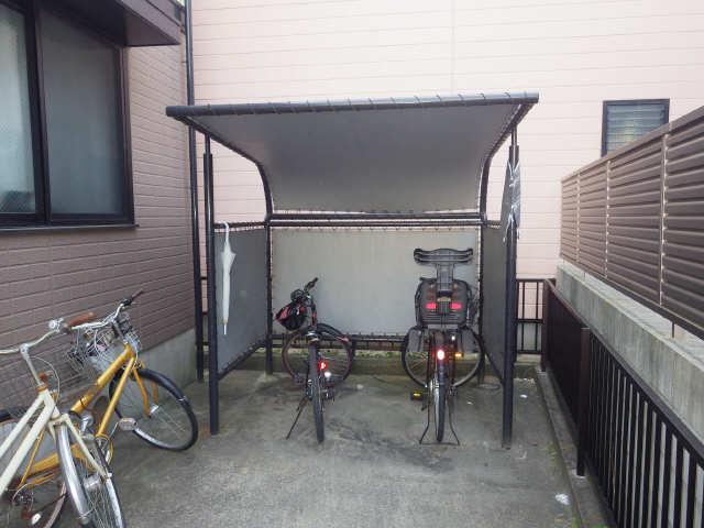 セジュール稲西 2階 駐輪場