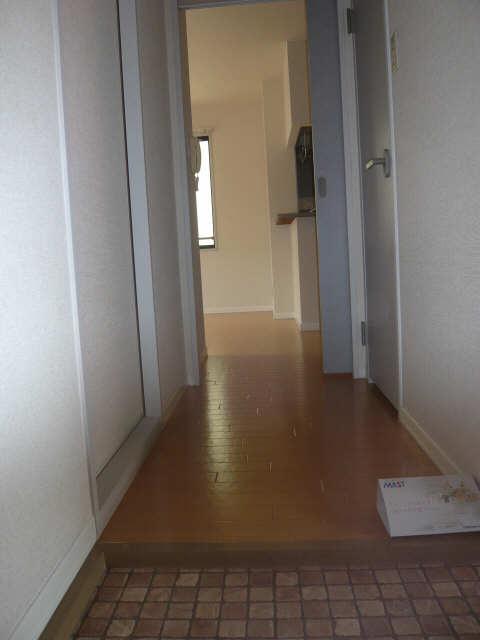 メゾンR&AⅥ 2階 廊下