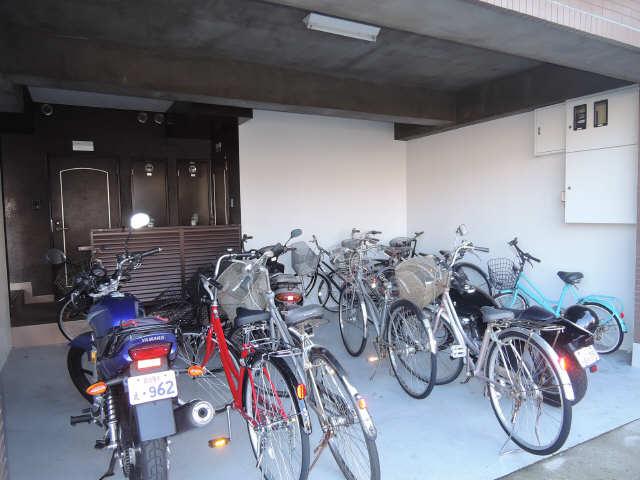 サンライズヤスクニ 3階 駐輪場