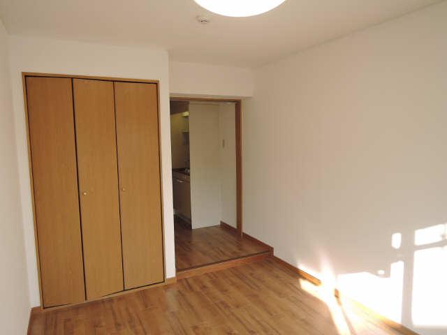 サンライズヤスクニ 3階 室内