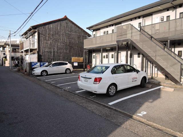 メゾンR&AⅦ 駐車場