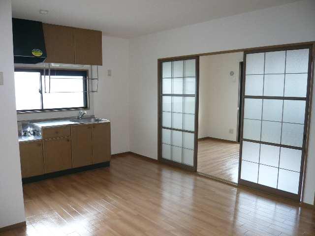 ロイヤルKⅡ 2階 室内