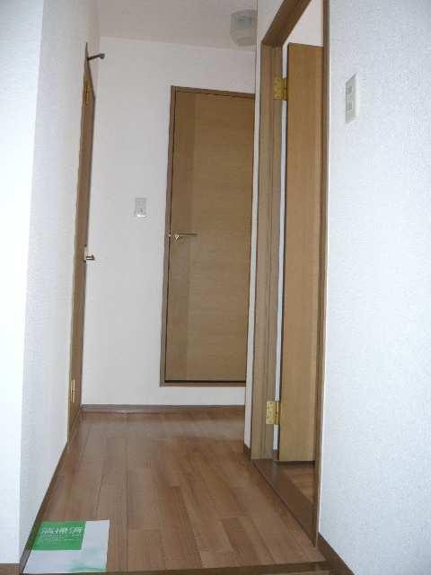 ロイヤルKⅡ 2階 廊下