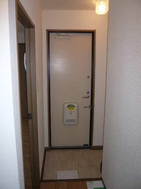 ロイヤルKⅡ 2階 玄関