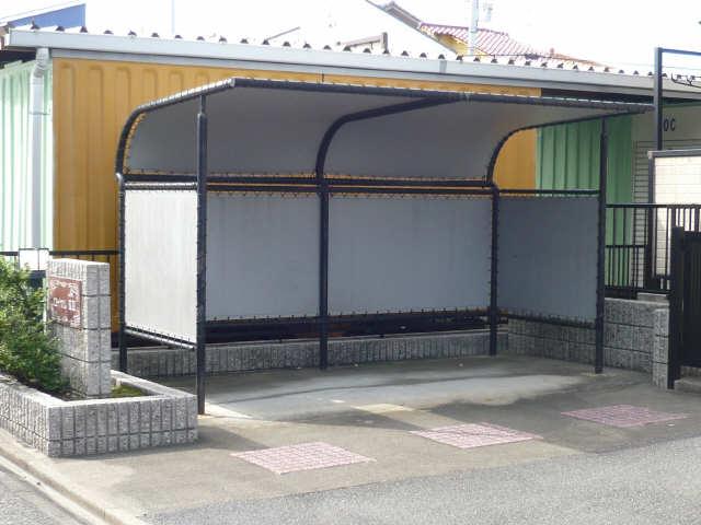 ロイヤルKⅡ 2階 駐輪場