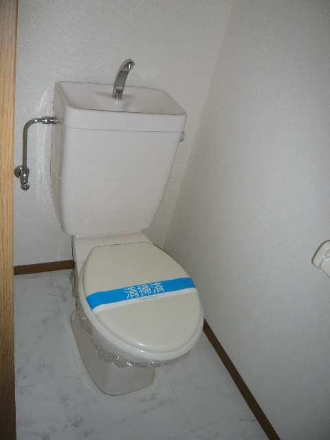 ロイヤルKⅡ 2階 WC