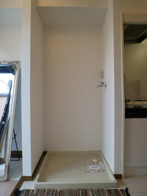 ベルデュール稲上 1階 洗濯機置場