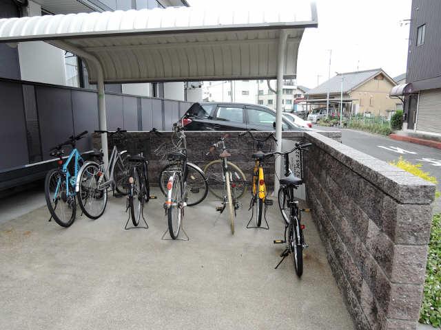 グランシャリオ 駐輪場