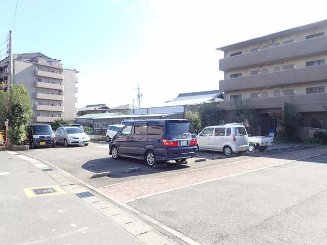 ル・クオーレ 4階 駐車場