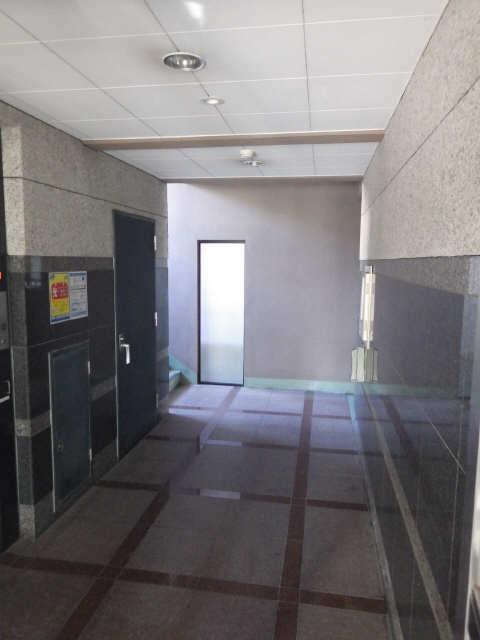 マ・メゾン・プルミエ 6階 ロビー