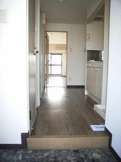 ウィズネス 2階 玄関