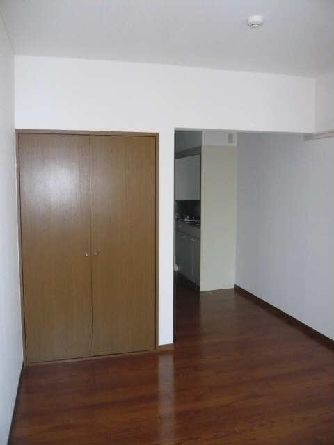ニューカーサⅠ 2階 室内