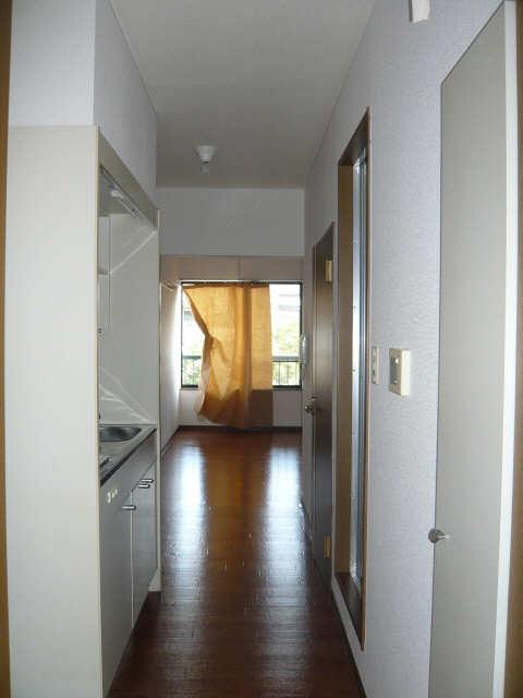 ニューカーサⅠ 2階 玄関