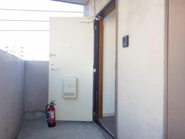 CASTLEワタナベ 4階 玄関