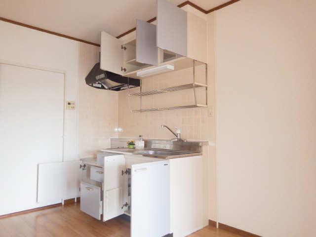 ラフィネ I 3階 キッチン
