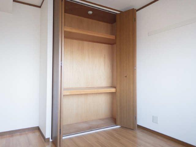 ラフィネ I 3階 収納