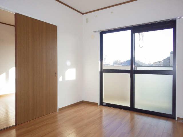 ラフィネ I 3階 室内