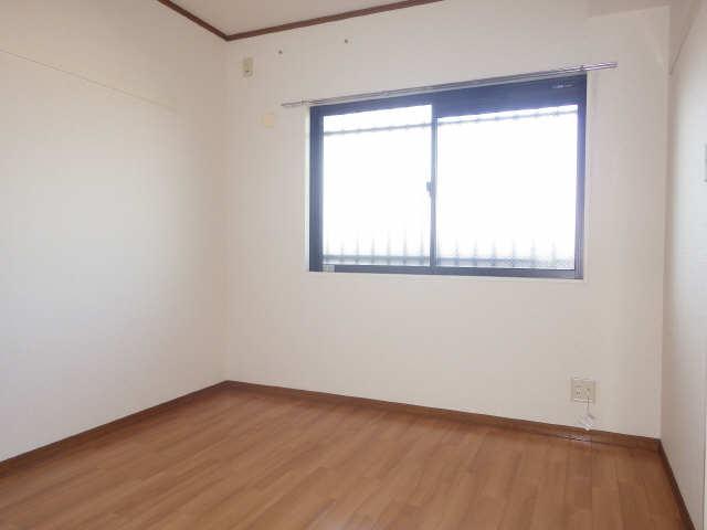 ラフィネ I 3階 洋室