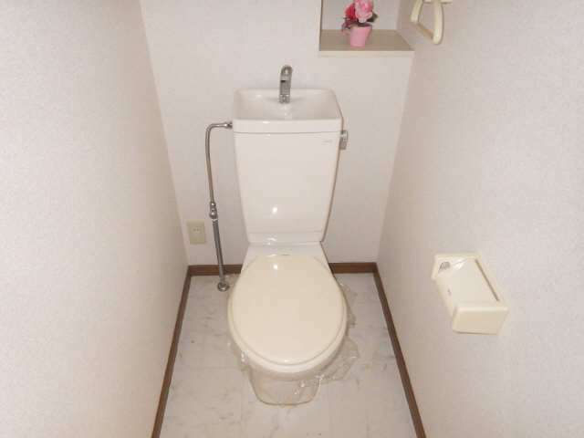 ラフィネ I 3階 WC