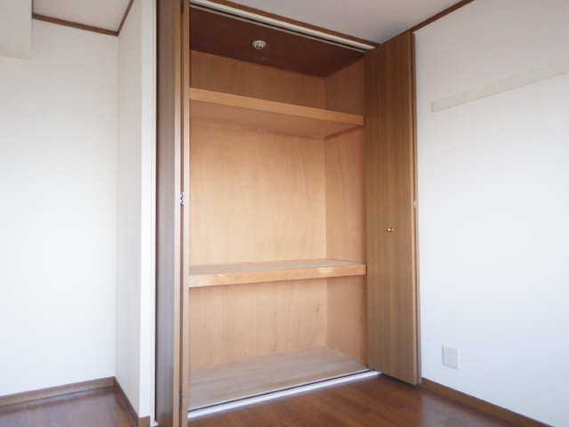 ラフィネ I 4階 収納