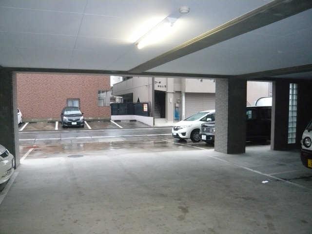 ヴァンセンヌ長筬 駐車場