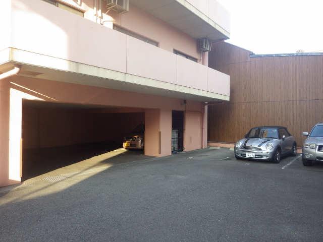 メゾン ド プランタン 駐車場