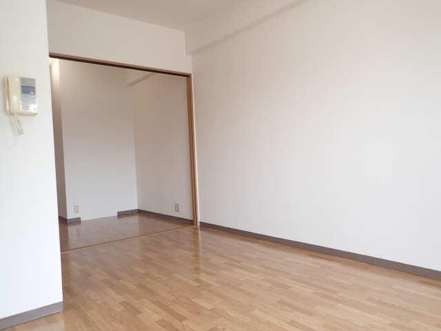 ポラール シュテルン 2階 洋室