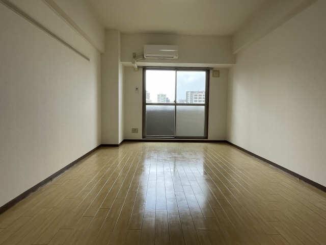 グランデージ則武 7階 室内