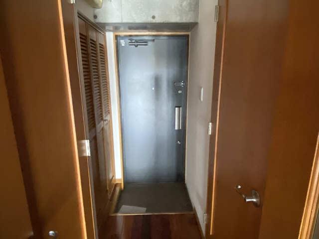 B's 117 3階 玄関