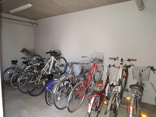 パルティール豊国通 5階 駐輪場