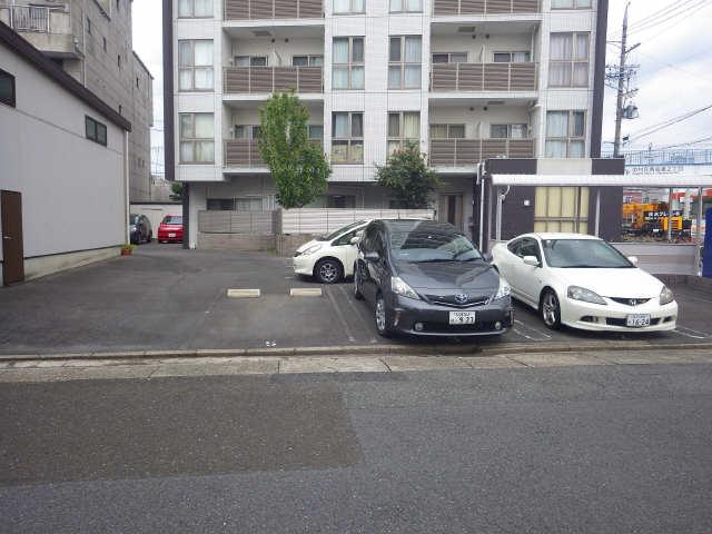 グランシャリオ 8階 駐車場