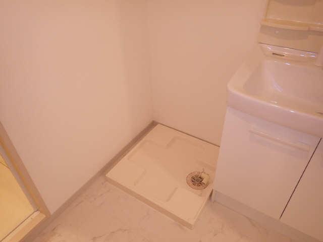 グランシャリオ 7階 洗濯機置場