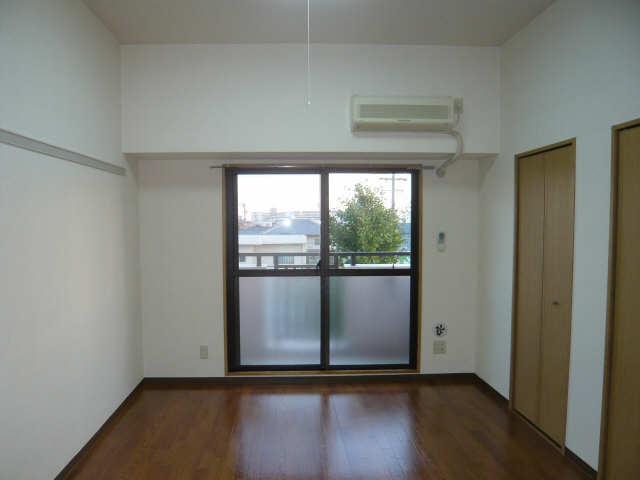 Avenue23 3階 室内